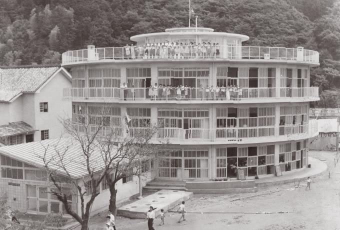 旧明倫小学校円形校舎 外観